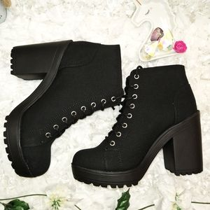 Divided Black Booties NWOT From H&M Size 8.5 US